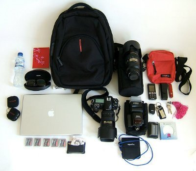Very cool and essential DSLR camera accessories for travel